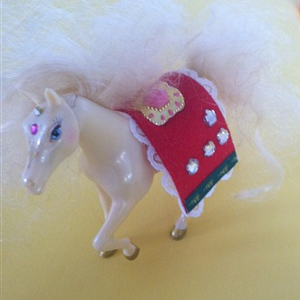 Christmas saddle for pony royale